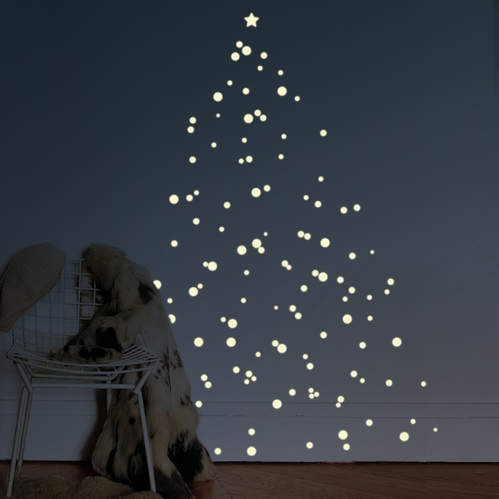 Mimilou Christmas Tree Decal