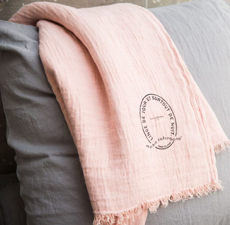Bed & Philosophy Plaid Warmy Up Blanket Blush