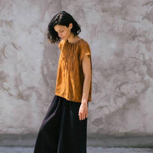 Kin Womens Pin Tuck Shirt Caramel + Black Contour Print