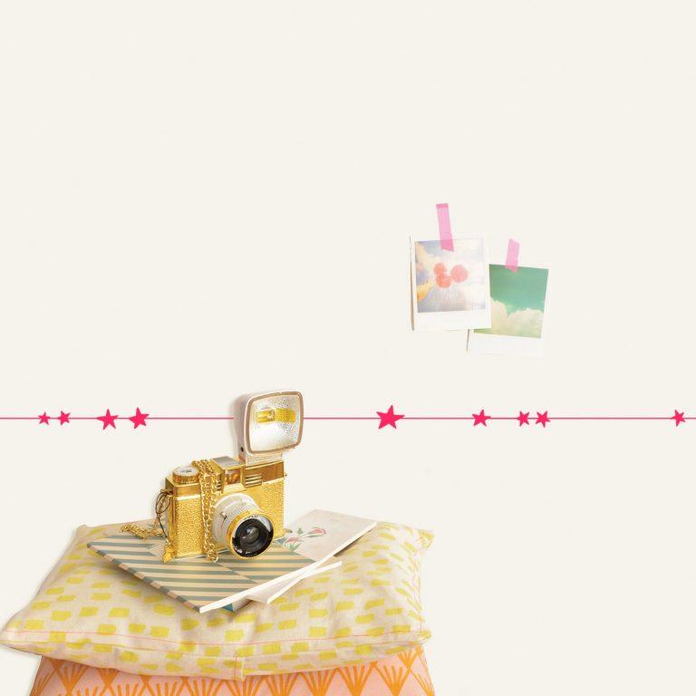 Mimi'lou 5m Wall Border Decal Neon Pink Stars
