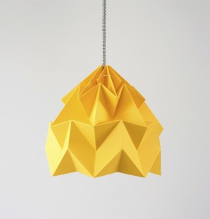 Studio Snowpuppe Moth Light Gold Yellow