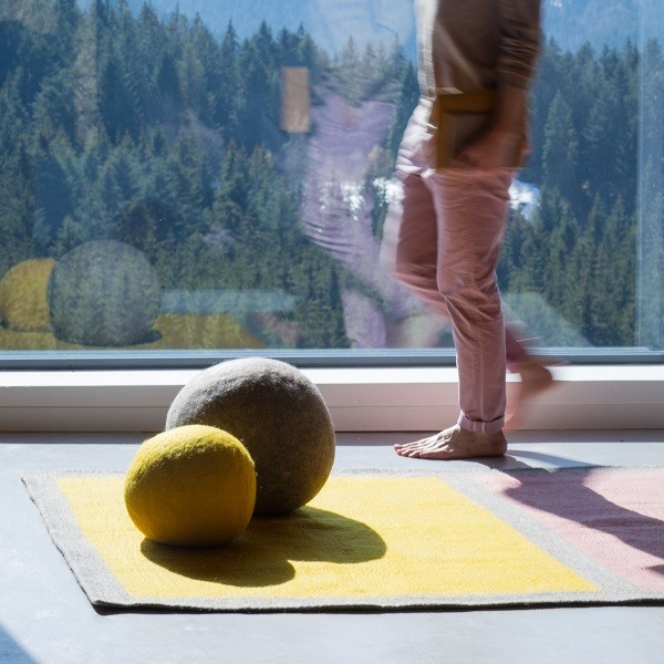 Muskhane Ball Pouf XXL Light Stone