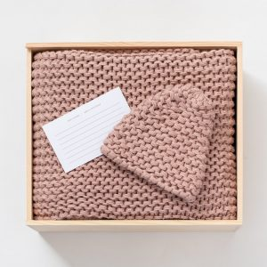 Zestt Organics Comfy Knit Baby Gift Set Hat & Blanket Blush