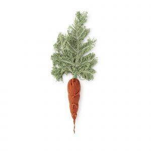 Oli + Carol DIY Cathy the Carrot
